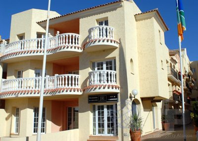 2 Bedrooms Bedroom Townhouse in Desert Springs Golf Resort
