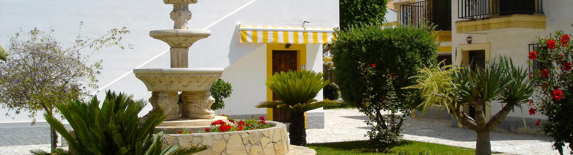 VIP7321: Rijtjeshuis te koop