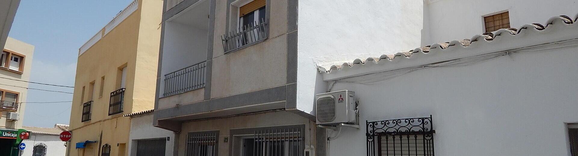 VIP7446: Rijtjeshuis te koop