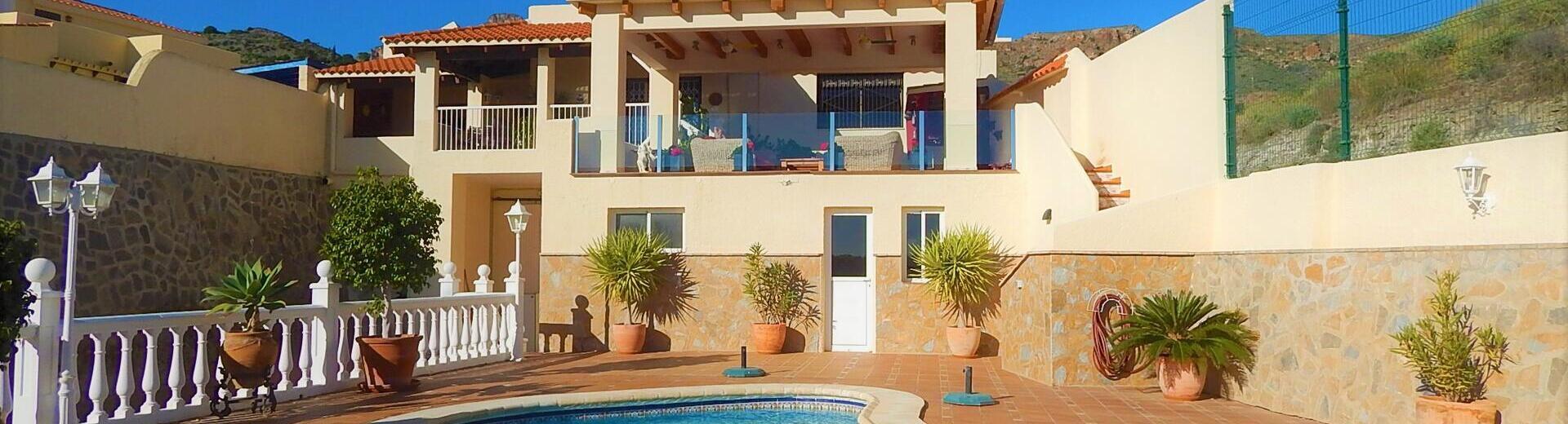 VIP7584A: Villa à vendre