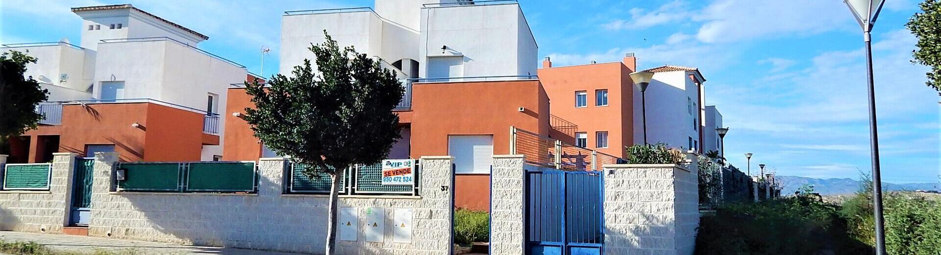VIP7686: Rijtjeshuis te koop