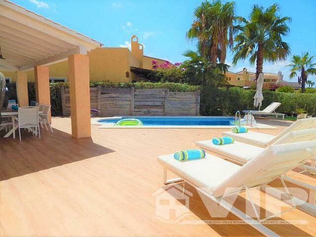 VIP7741: Villa à vendre dans Desert Springs Golf Resort, Almería