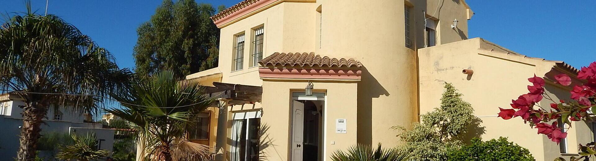 VIP7783 : Villa te koop