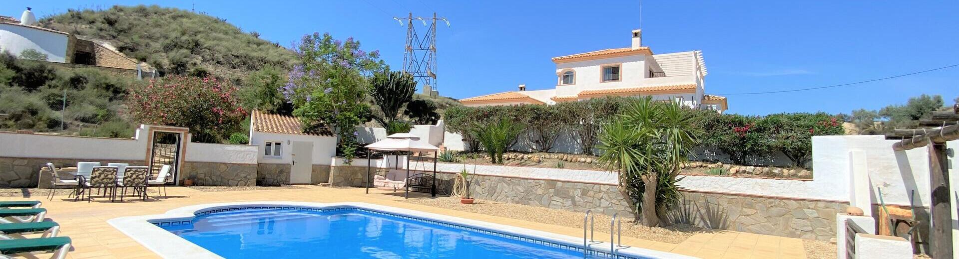 VIP7895: Villa te koop